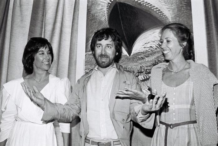 American director Steven Spielberg (C) p